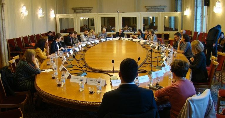 Експерти обсъдиха напредъка по европрограмите на заседание в Народното събрание